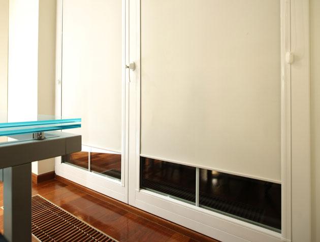 schlauer energiespar sonnenschutz rollos plissees mit isolierenden eigenschaften. Black Bedroom Furniture Sets. Home Design Ideas