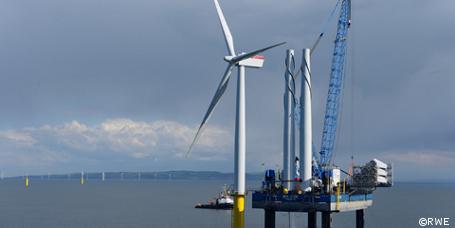 Offshore-Windpark Nordsee Ost: Erste Windräder stehen